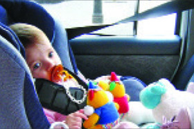 ممنوعیت بغل گرفتن کودک هنگام رانندگی