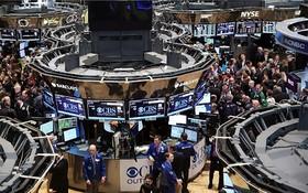 تاثیر جنگ تجاری بر ارزش سهام کمپانیهای خودروسازی