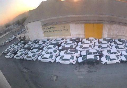 ترخیص ۲۰۰ دستگاه خودرو از گمرک شهید رجایی