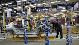 خودروسازان به کاهش قیمت تمام شده امیدوار شدند