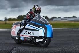 رکورد زنی سریع ترین موتورسیکلت برقی جهان