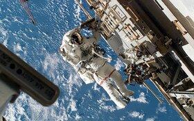 ایستگاه فضایی با کمک گریس ها پا برجاست!