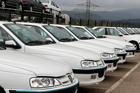 گلایه مشتریان خودروهایی که بیمه نامه هایشان صادر شده اما از خودرو خبری نیست