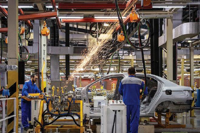 جزئیات بازنگری اهداف سند 1404 در بخش صنعت خودرو