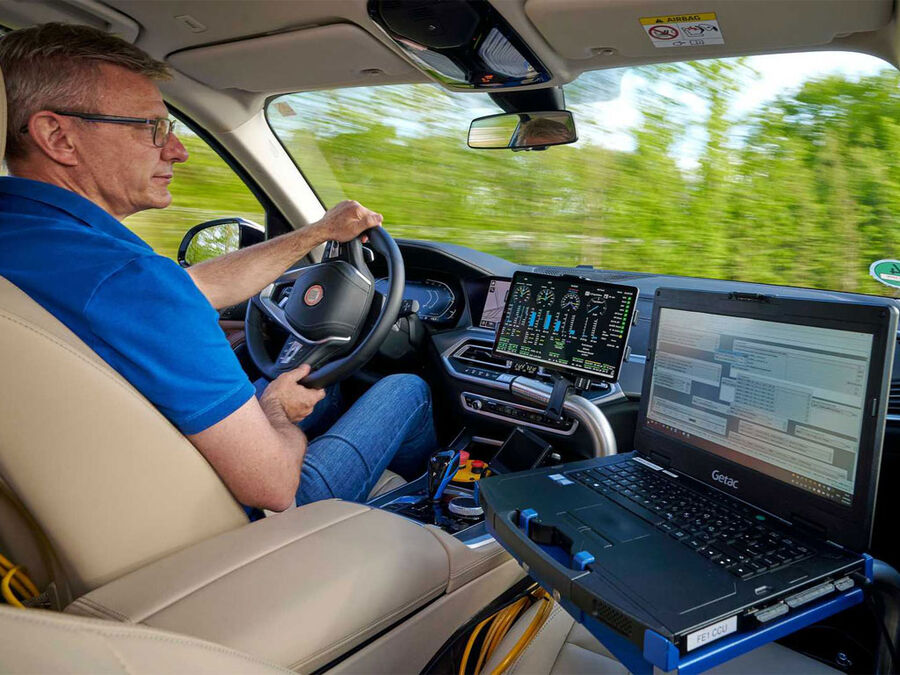 آغاز تستهای خودرو هیدروژنی بامو در اروپا
