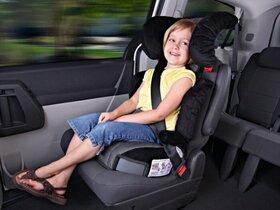 چرا نشستن کودکان زیر ۱۲ سال بر صندلی جلوی خودرو مجاز نیست؟