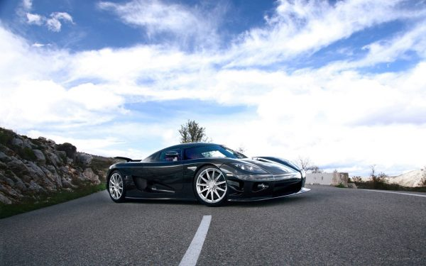 ۲ koenigsegg car hd wallpaper