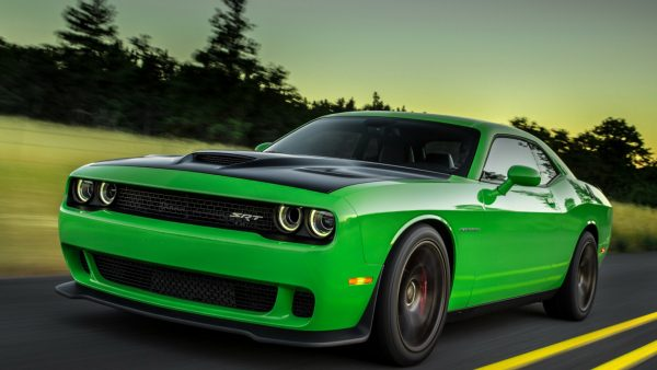 ۲۰۱۵_dodge_challenger_green_side_view_speed_97216_1920x1080