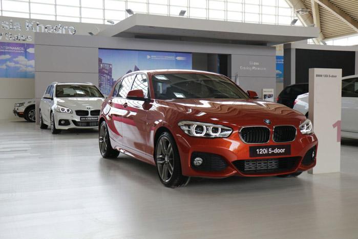 BMW سری 1 پنج درب 243 میلیون تومان