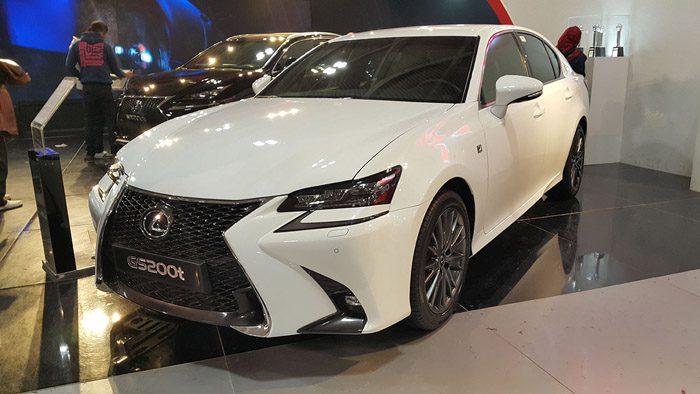 لکسوس GS200t ( قیمت : 350 میلیون تومان )