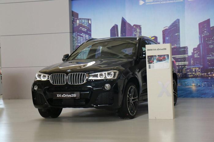 BMW X4 ( قیمت : 470 میلیون تومان )