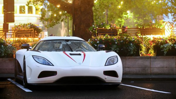 ۸ koenigsegg car hd wallpaper