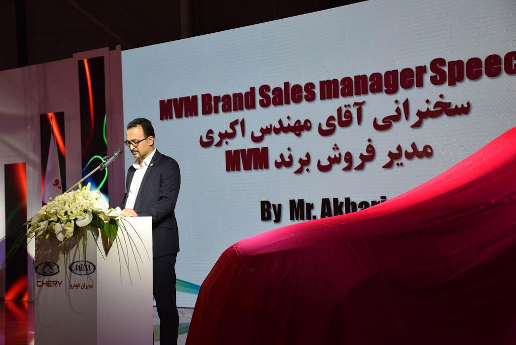 جواد اکبری معاون بازاریابی و فروش مدیران خودرو