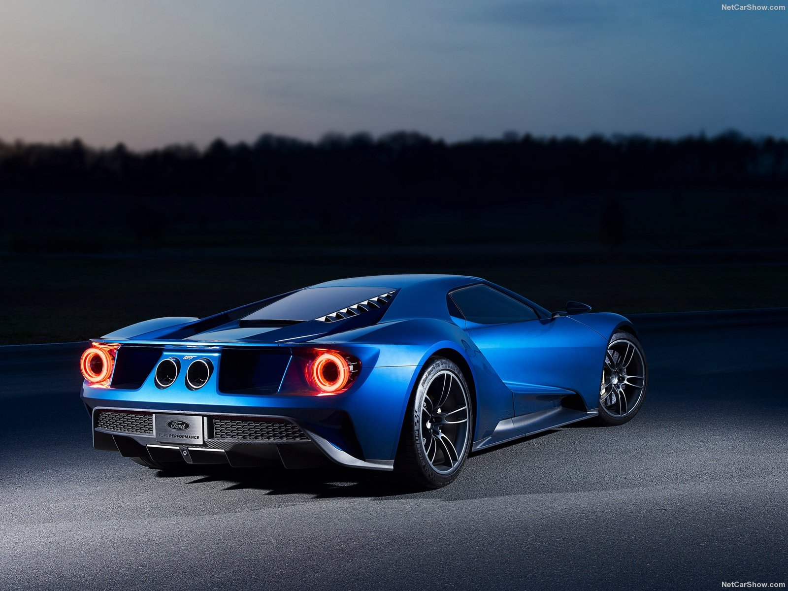 Ford-GT_2017_1600x1200_wallpaper_0c