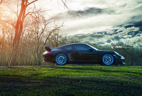 adv1-porsche-991-gt3-adv05s-mv2-sl-custom-forged-2-piece-concave-wheels-blue-03_w940_h641_cw940_ch641_thumb