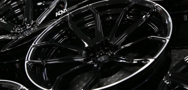 ford-mustang-aftermarket-wheels-adv1-fisker-rocket-gloss-black-standard-silver-forged-8_w940_h450_cw940_ch450_thumb